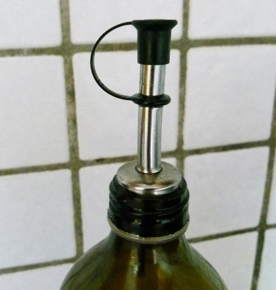 Bouchon bec verseur inox et liège sur bouteille